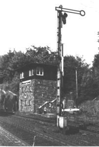 Stellwerk am Ostkopf des Bahnhofes Niederhövels